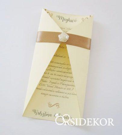 Esküvői meghívó csipkével, szalaggal és masnival