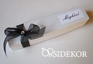 Dobozos esküvői meghívó masnival és strasszal, 3x16 cm