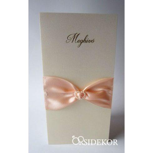 Esküvői meghívó szalaggal és gyöngy szívvel