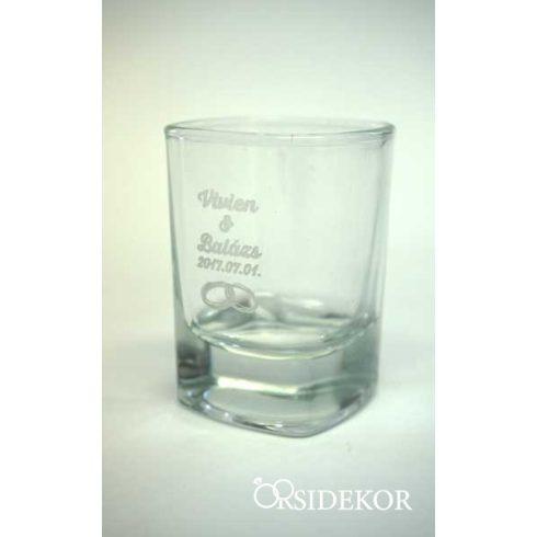 Röviditalos pohár gravírozva