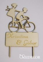 Esküvői tortadísz névvel, biciklis