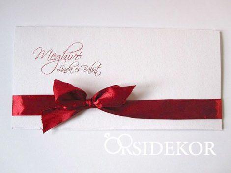 Esküvői meghívó szalaggal díszítve