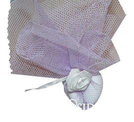 Köszönetajándék cukrozott mandulával lila tüllbe csomagolva