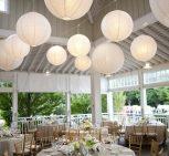 Lampion dekoráció esküvőre