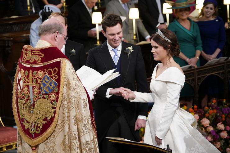 Sztár esküvő - Eugénia hercegnő és férje Jack Brooksbank